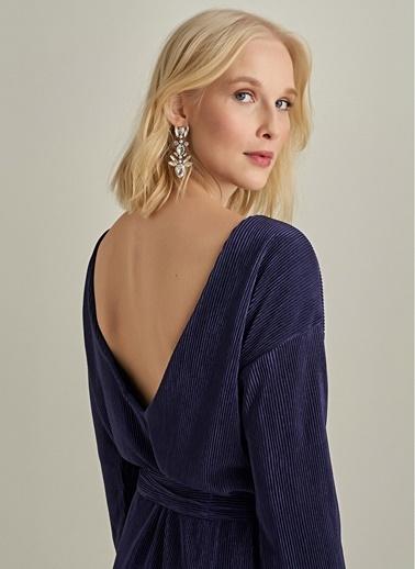 NGSTYLE Sırtı V Dekolteli Piliseli Elbise Lacivert